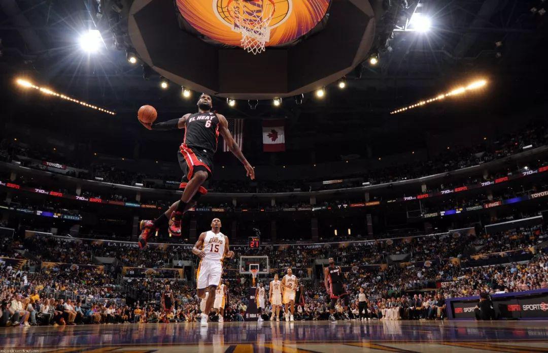 """""""互联网+体育""""场景是关键 看动因体育、NBA、Keep如何连接线上与线下丨体育经理人"""